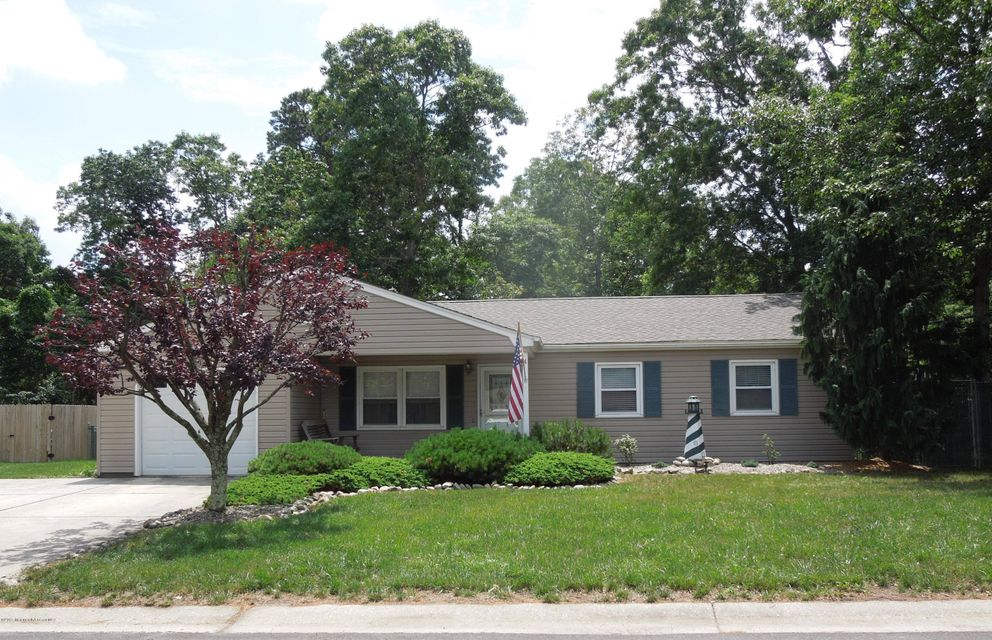 Photo of home for sale at 4 Country Club Boulevard Boulevard, Little Egg Harbor NJ