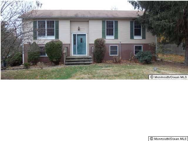 Photo of home for sale at 100 New Prospect Road Road N, Jackson NJ