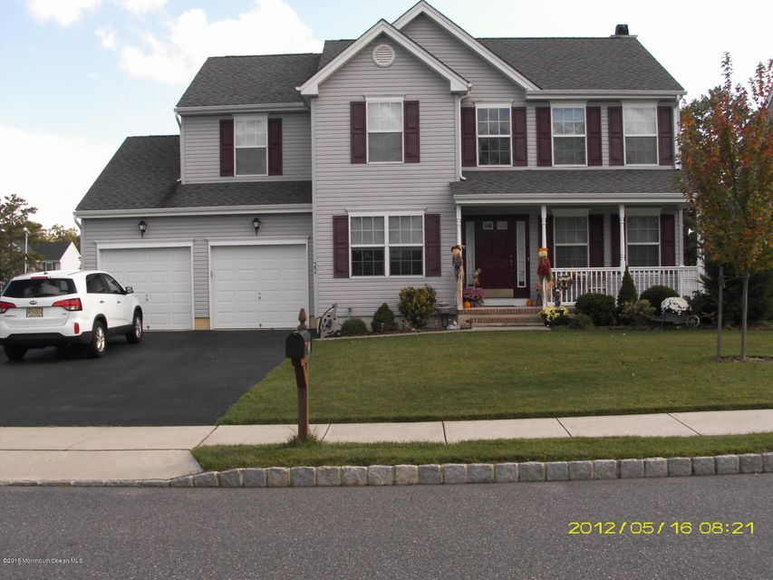Photo of home for sale at 22 Heather Way Way, Barnegat NJ