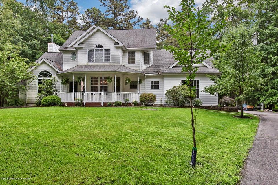 Photo of home for sale at 203 Pleasant Grove Road Road E, Jackson NJ