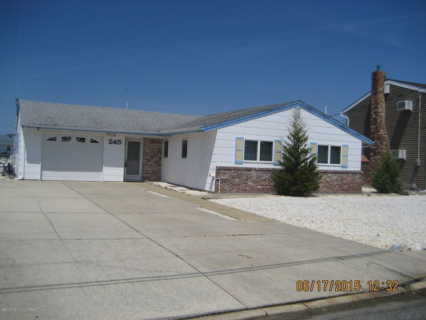 Photo of home for sale at 245 Newark Road Road S, Barnegat NJ