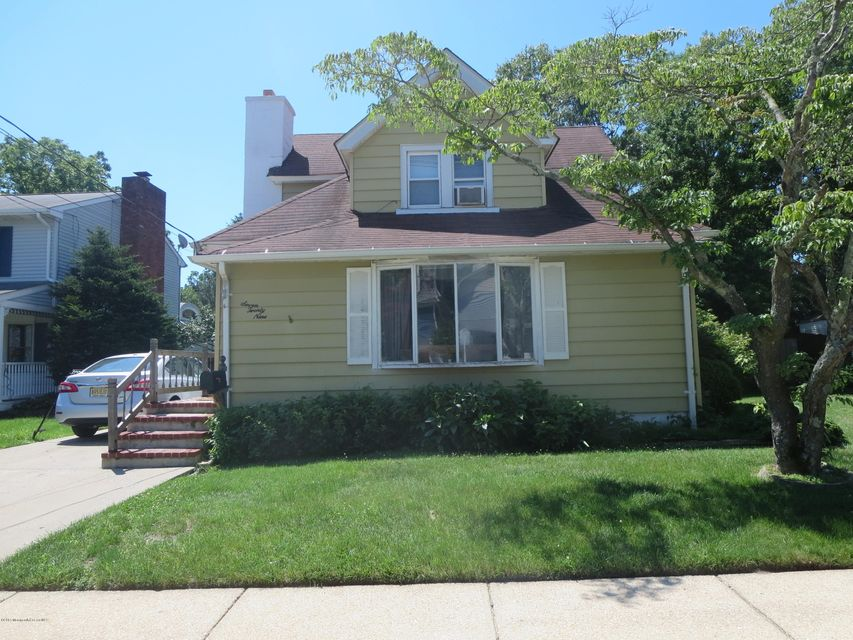 Photo of home for sale at 729 Wall Road Road, Spring Lake Heights NJ