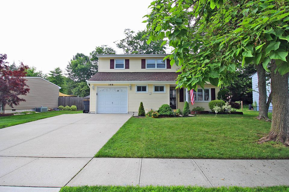 Photo of home for sale at 166 Cindy Street Street, Old Bridge NJ