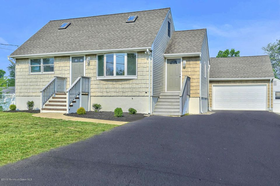 Photo of home for sale at 70 13th Street Street, Toms River NJ