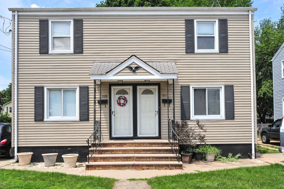 Photo of home for sale at 529 Alice Place Place, Woodbridge NJ