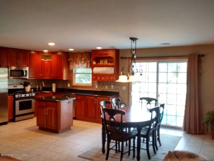 Photo of home for sale at 26 Mary Ann Drive Drive, Brick NJ