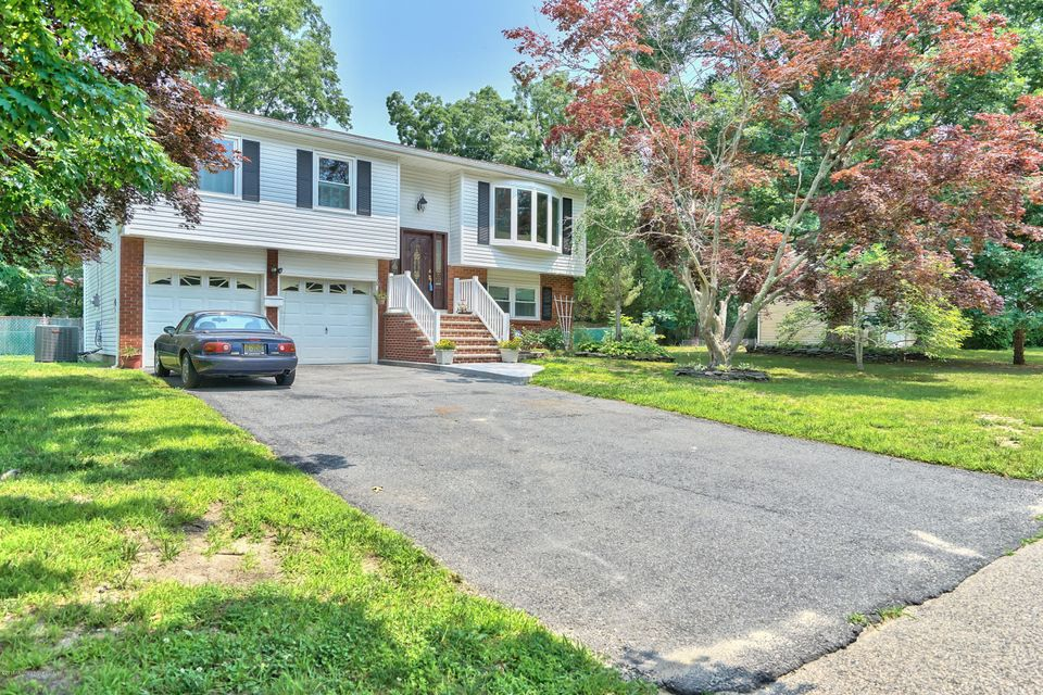 Photo of home for sale at 43 Woodland Road Road, Berkeley NJ