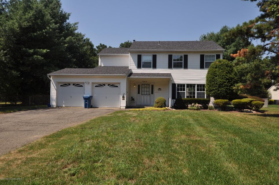 Photo of home for sale at 22 Bunker Hill Drive Drive, Old Bridge NJ