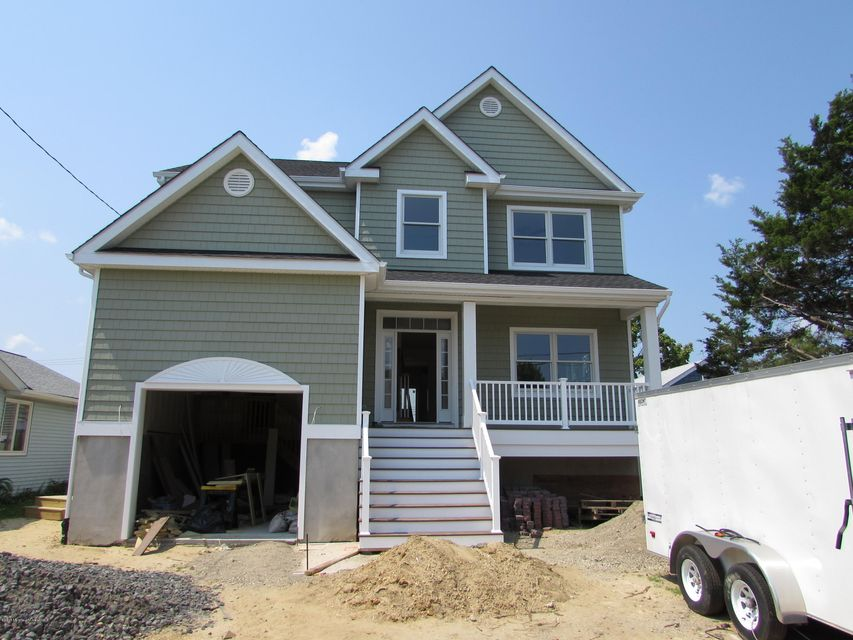 Photo of home for sale at 1665 End Drive Drive W, Point Pleasant NJ