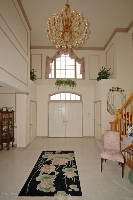 Additional photo for property listing at 6 Twin Lakes Drive  Colts Neck, New Jersey 07722 États-Unis