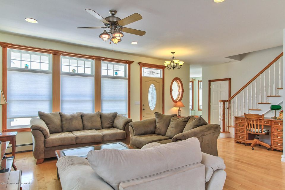 Additional photo for property listing at 22 C Street  Seaside Park, Nueva Jersey 08752 Estados Unidos