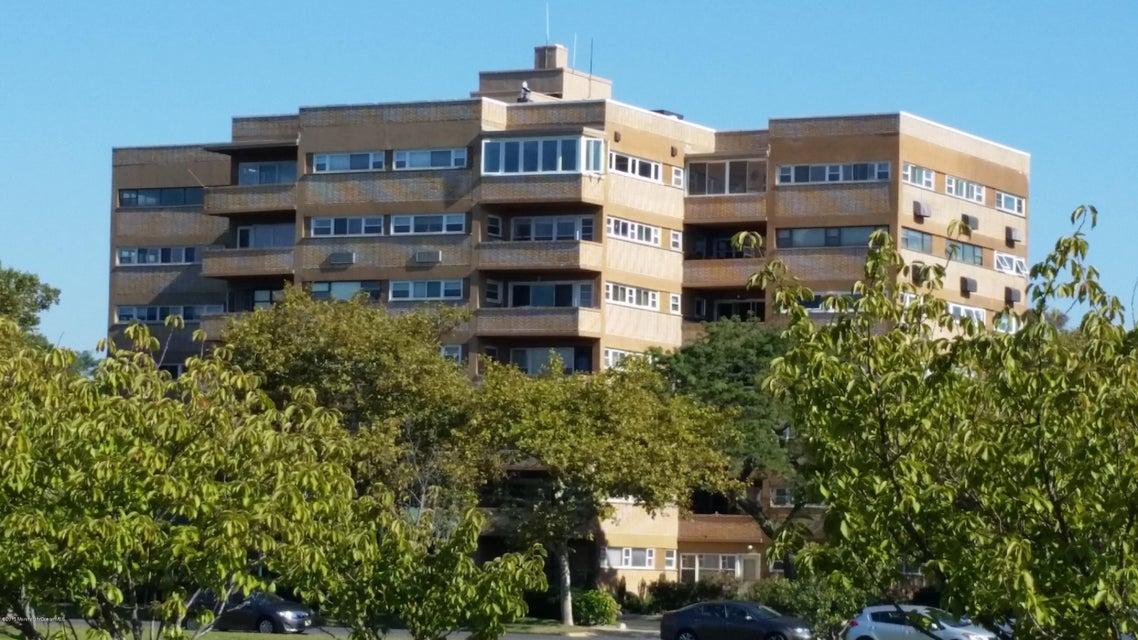 共管式独立产权公寓 为 销售 在 321 Sunset Avenue 艾斯柏瑞公园市, 新泽西州 07712 美国