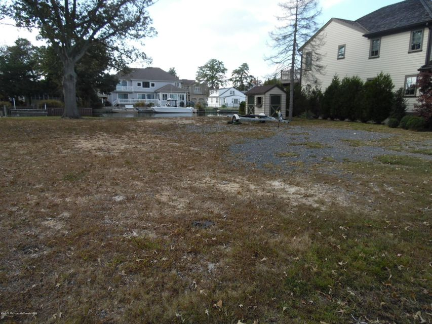 Additional photo for property listing at 1635 East Drive  Point Pleasant, New Jersey 08742 États-Unis