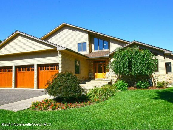 Single Family Home for Sale at 688 Colgate Avenue 688 Colgate Avenue Lanoka Harbor, New Jersey 08734 United States