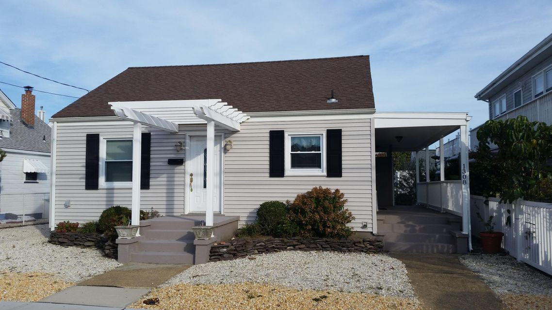 Single Family Home for Sale at 1308 Central Avenue 1308 Central Avenue Seaside Park, New Jersey 08752 United States