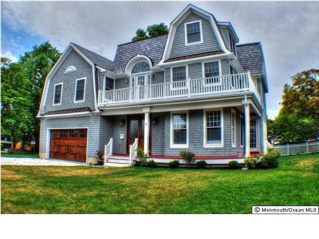 Photo of home for sale at 1 Crescent Drive Drive, Brielle NJ