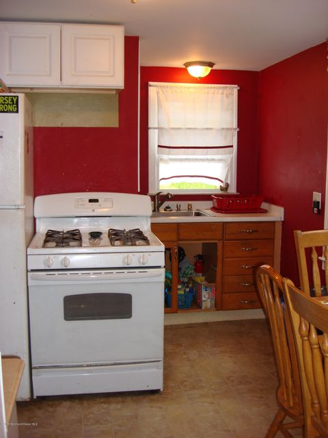 Additional photo for property listing at 1912 New Bedford Road  Wall, New Jersey 07719 États-Unis