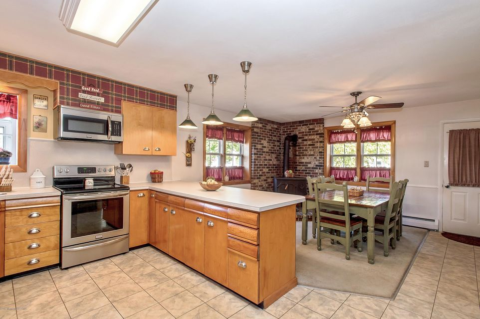 Additional photo for property listing at 370 Meany Road  North Hanover, New Jersey 08562 États-Unis