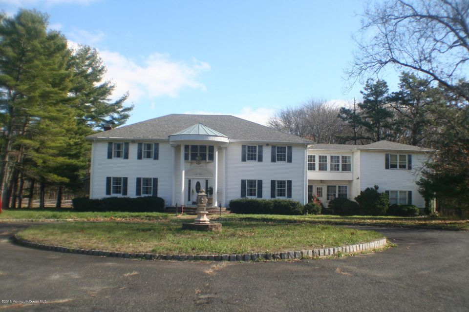 Single Family Home for Sale at 447 Stagecoach Road Millstone, New Jersey 08510 United States