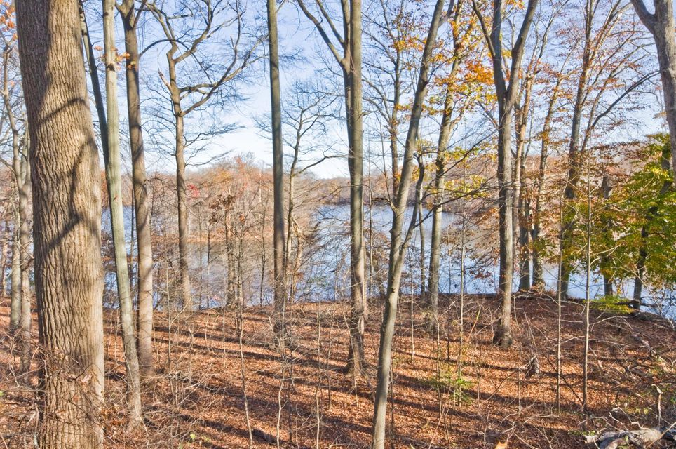Additional photo for property listing at 22 Saratoga Drive  Colts Neck, New Jersey 07722 États-Unis