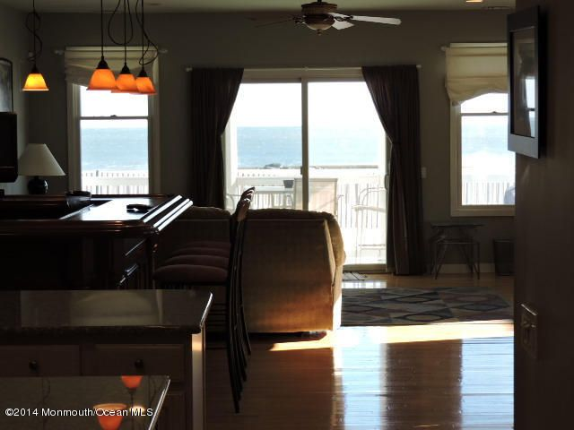 Additional photo for property listing at 239 Beach Front Road  Manasquan, 新泽西州 08736 美国