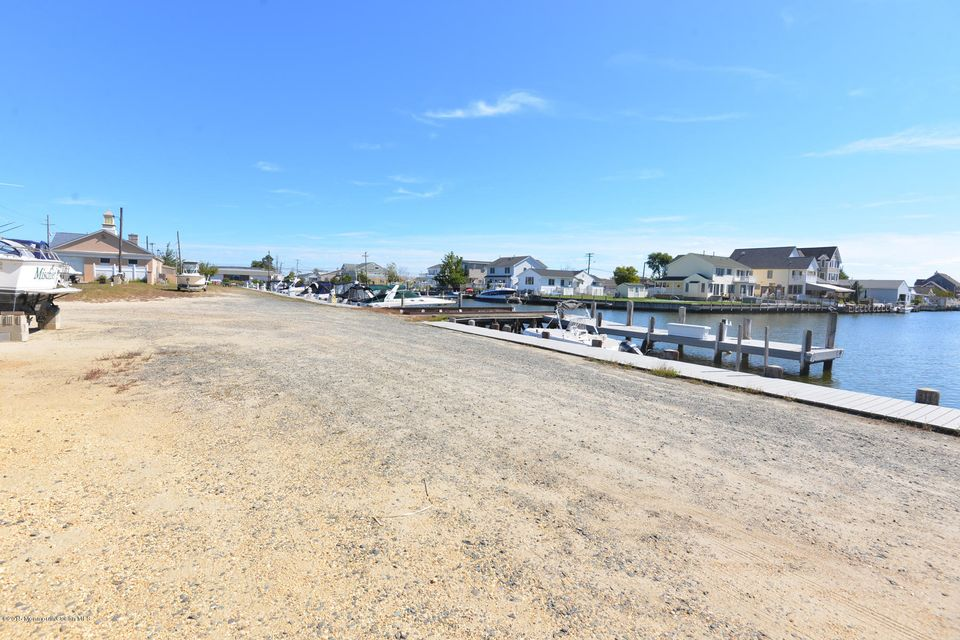Additional photo for property listing at 3217 Route 37  Toms River, Nueva Jersey 08753 Estados Unidos