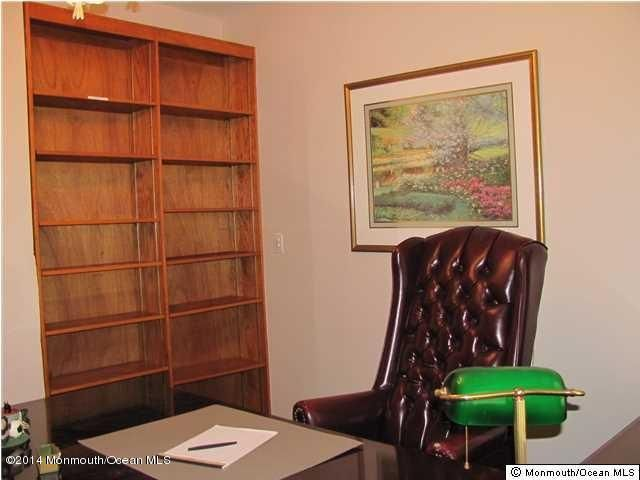 Additional photo for property listing at 65 South Street  Freehold, 新泽西州 07728 美国