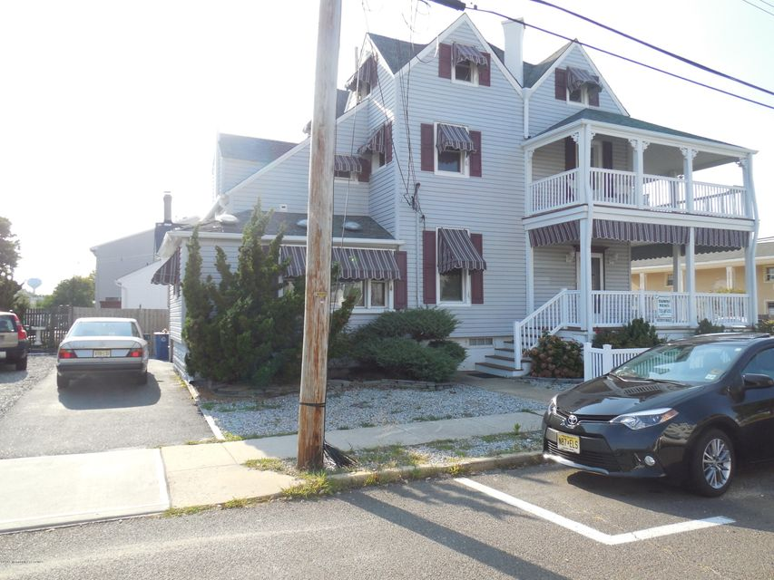 Additional photo for property listing at 100 New Jersey Avenue  Point Pleasant Beach, New Jersey 08742 États-Unis