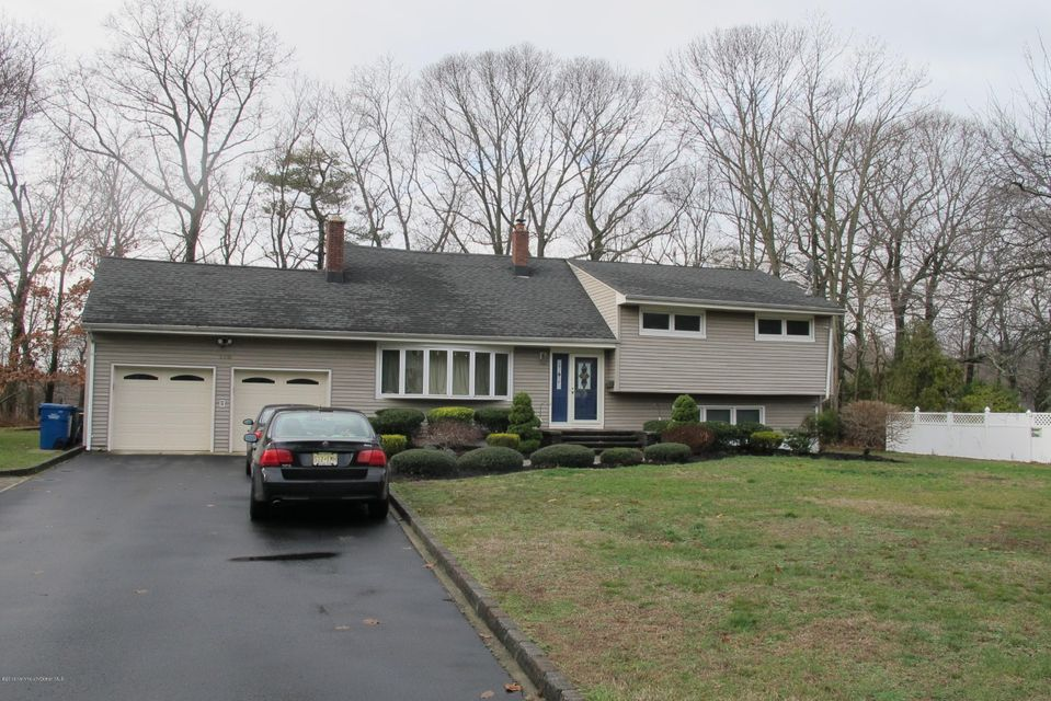 Single Family Home for Sale at 178 Riveredge Road Tinton Falls, New Jersey 07724 United States