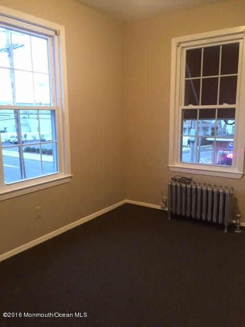 Additional photo for property listing at 65 South Street  Freehold, Nueva Jersey 07728 Estados Unidos