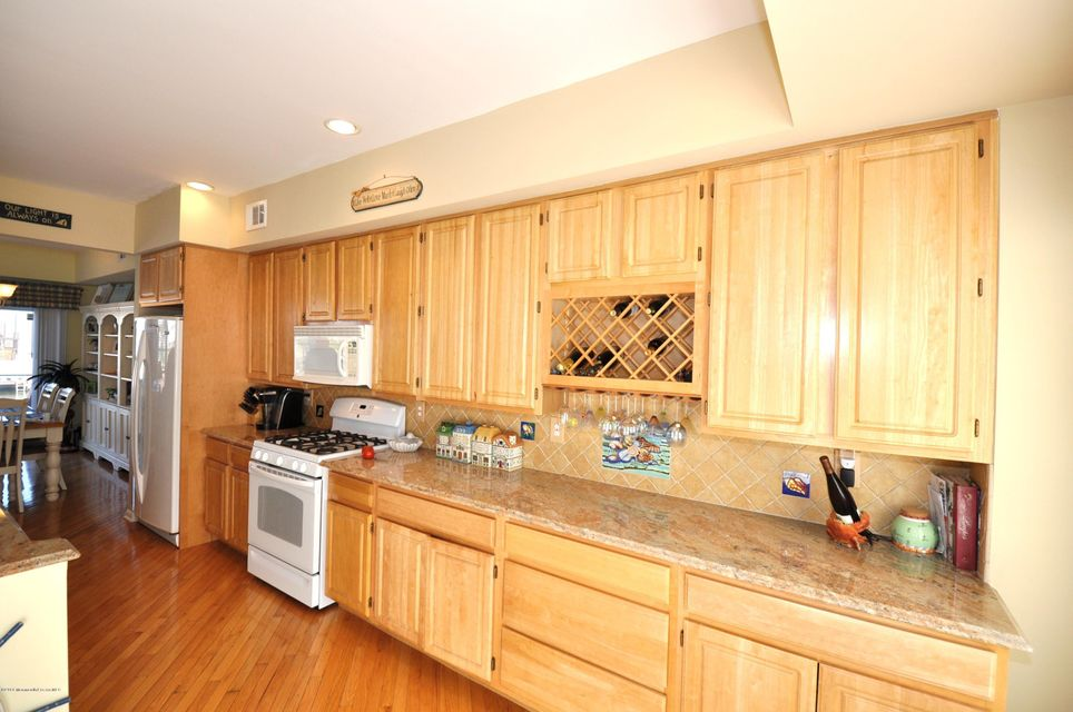 Additional photo for property listing at 7 Blue Heron Lane  Bayville, New Jersey 08721 United States