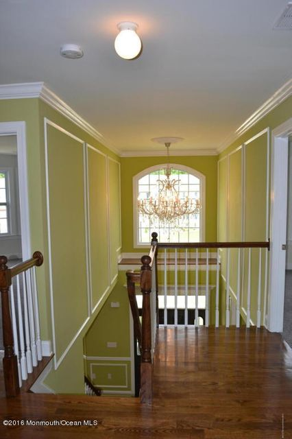 Additional photo for property listing at 8 Jamie Court  Barnegat, New Jersey 08005 United States