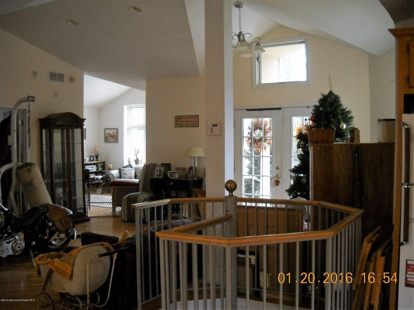 Additional photo for property listing at 305 Ellisdale Road  Chesterfield, New Jersey 08515 United States