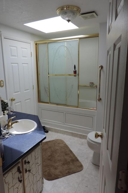 Additional photo for property listing at 138 Oak Drive 138 Oak Drive Manchester, New Jersey 08759 Hoa Kỳ