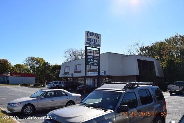 komerziell für Verkauf beim 1201 Route 37 1201 Route 37 Toms River, New Jersey 08753 Vereinigte Staaten