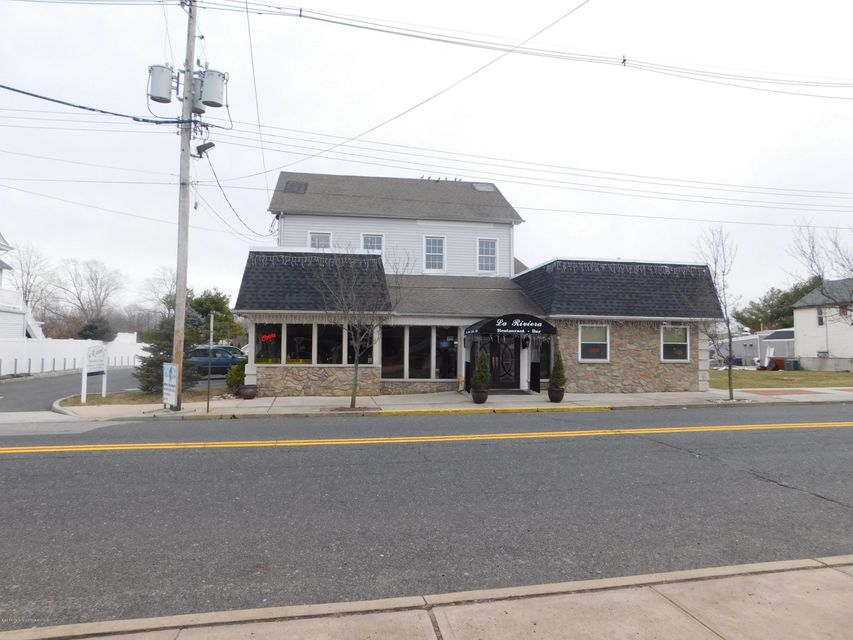 Commercial for Sale at 113 Main Street Matawan, New Jersey 07747 United States