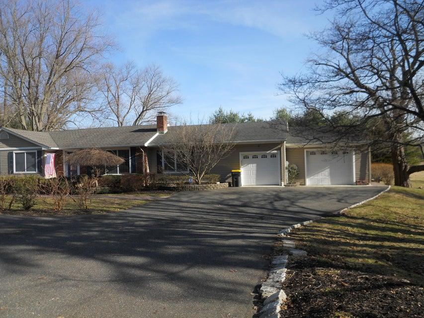 Casa Unifamiliar por un Venta en 66 Middletown Road Holmdel, Nueva Jersey 07733 Estados Unidos