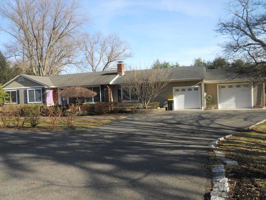 Additional photo for property listing at 66 Middletown Road  Holmdel, Nueva Jersey 07733 Estados Unidos