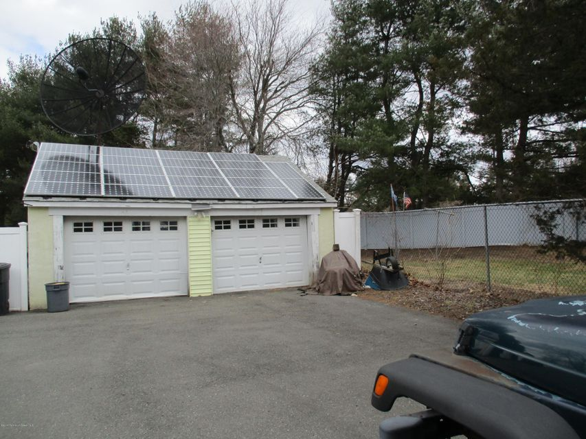 Additional photo for property listing at 220 Freehold Road  Manalapan, Nueva Jersey 07726 Estados Unidos