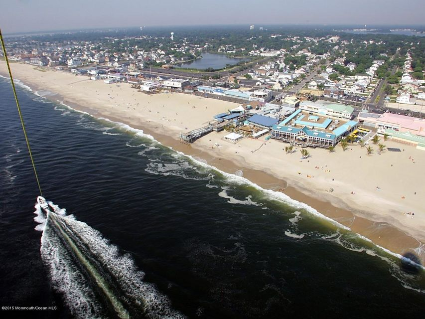 Additional photo for property listing at 1606 East Street  Point Pleasant Beach, New Jersey 08742 United States