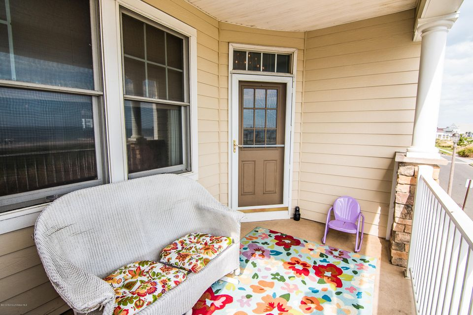 Additional photo for property listing at 2 Mckinley Street  Long Branch, New Jersey 07740 États-Unis