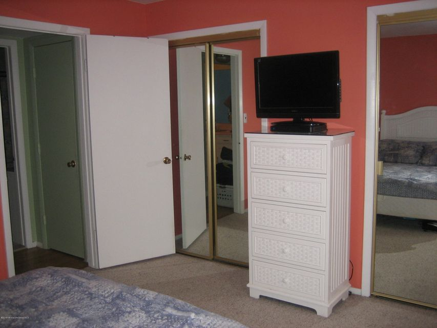 Additional photo for property listing at 2600 Austin Avenue  Point Pleasant, New Jersey 08742 États-Unis