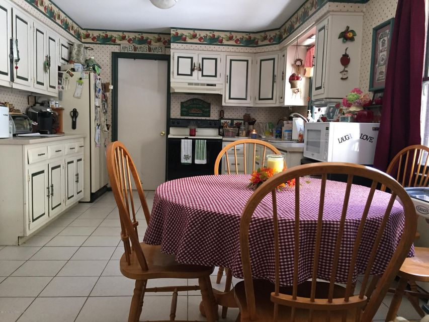 Additional photo for property listing at 1921 Newark Avenue  Whiting, Nueva Jersey 08759 Estados Unidos