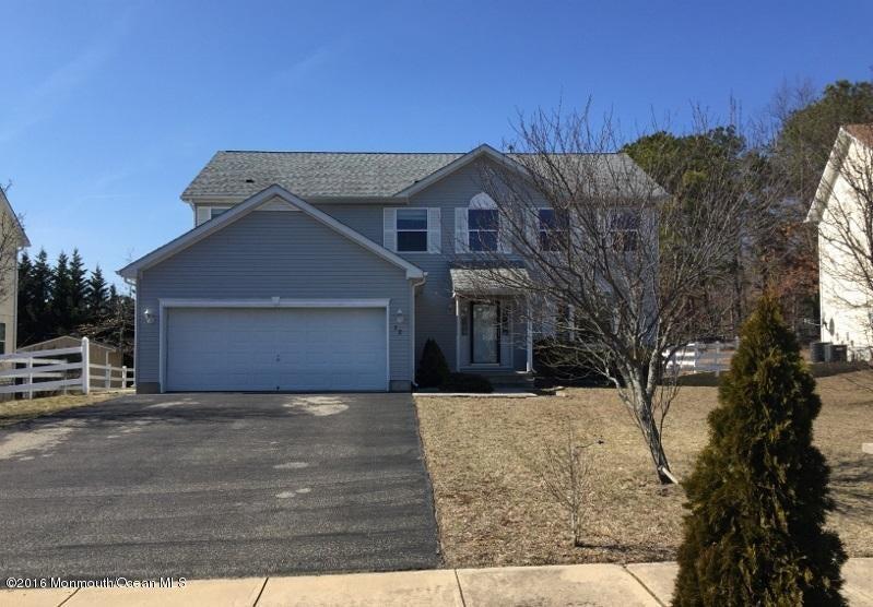 独户住宅 为 销售 在 72 Serenity Place 汤姆斯河, 新泽西州 08755 美国