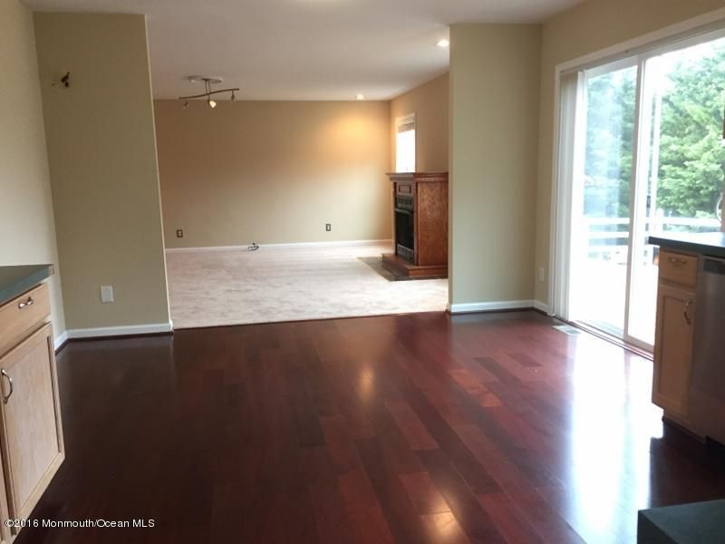 Additional photo for property listing at 72 Serenity Place  Toms River, New Jersey 08755 États-Unis