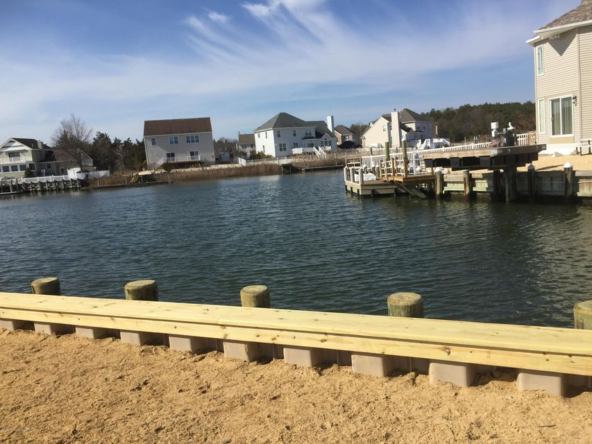 Additional photo for property listing at 104 Hunter Court  Little Egg Harbor, New Jersey 08087 États-Unis