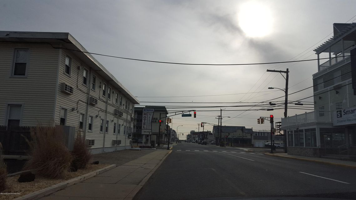 Additional photo for property listing at 210 Sumner Avenue  Seaside Heights, 新泽西州 08751 美国