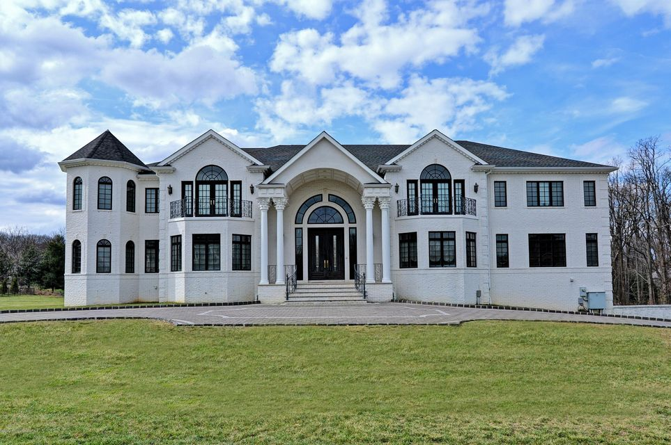 Single Family Home for Sale at 7 Embry Farm Road Marlboro, New Jersey 07746 United States