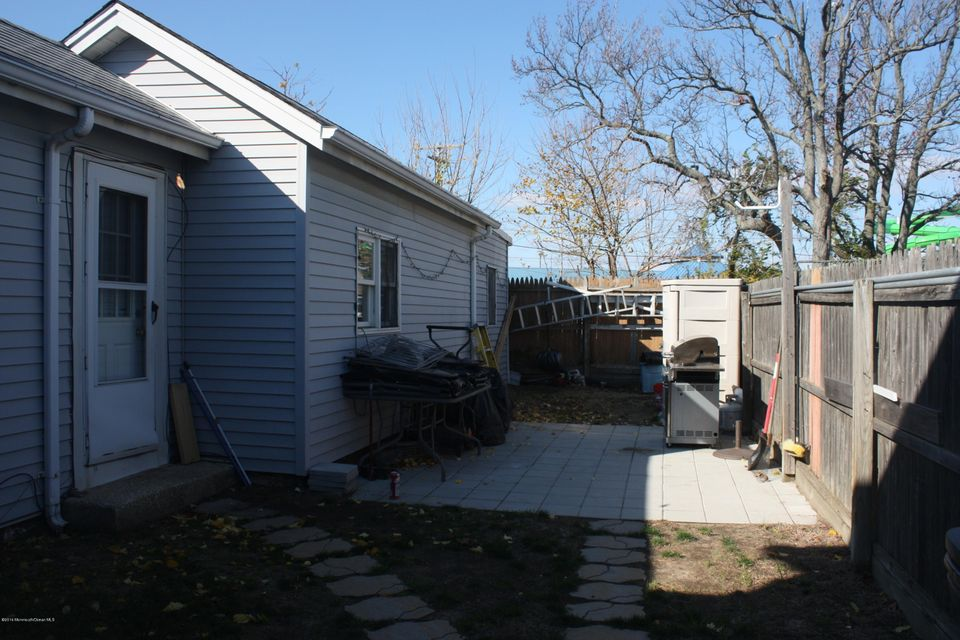Additional photo for property listing at 63 Seabreeze Way  Keansburg, New Jersey 07734 United States