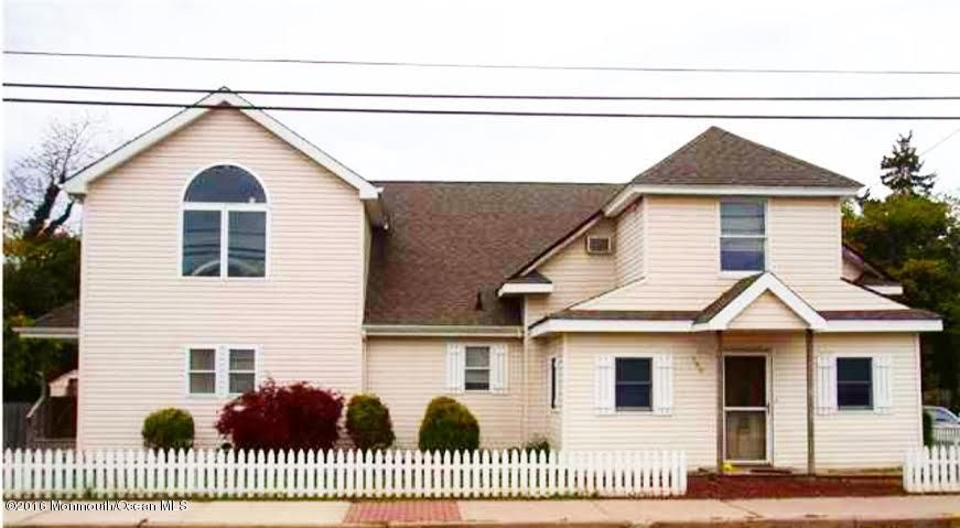 Single Family Home for Sale at 300 Ocean Gate Avenue 300 Ocean Gate Avenue Ocean Gate, New Jersey 08740 United States